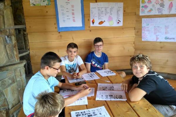 Nauka języka na obozach