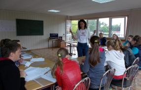 English language camp for kids 2020